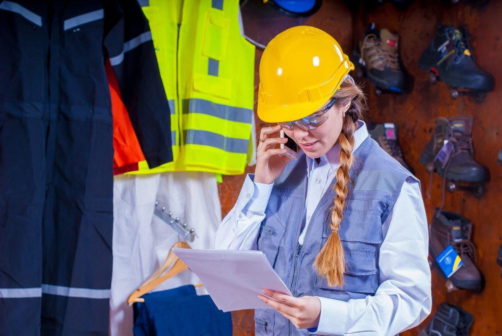 helmet 1636348 1920 1024x685 - Segurança no canteiro de obras: medidas para evitar acidentes no processo construtivo