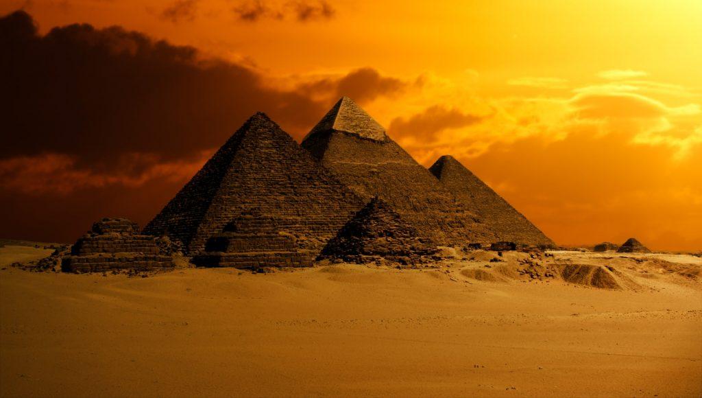 pyramid 2675466 1920 1024x580 - Canteiro de obras: como a tecnologia pode otimizar a sua operação